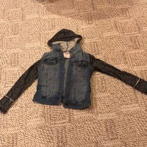 Junior trendy  blue Jean jacket size medium